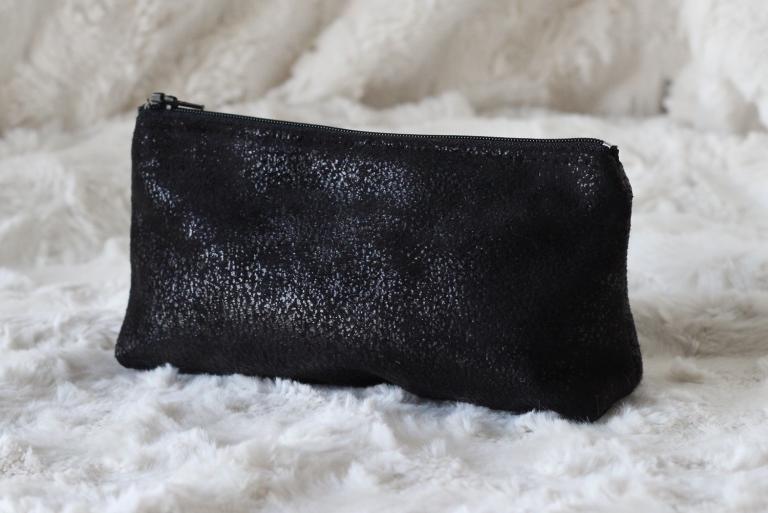 Trousse noire ( ouverture 18 cm ) et Liberty Ciara