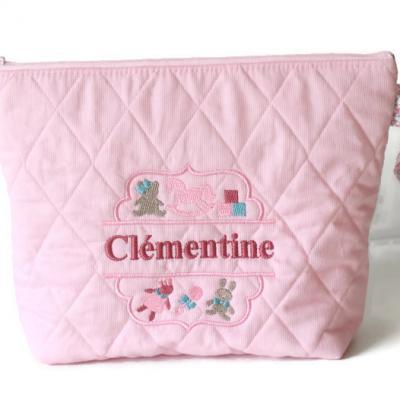 Trousse de toilette ( ou autre ) brodée, avec prénom Clémentine - Motif Cadre de jouets