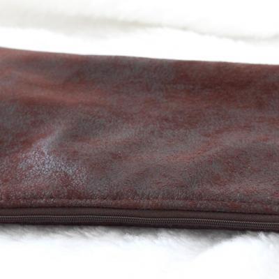 Grande pochette pour tablette, en faux cuir d'ameublement marron foncé et Liberty of London Margaret Annie